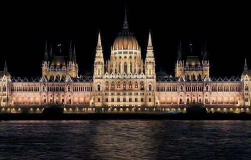 Πράγα - Βιέννη - Βουδαπέστη - Βελιγράδι (Δώρο το αεροπορικό εισιτήριο)