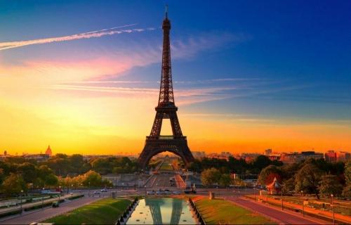 Παρίσι ,στην πόλη του φωτός … 4,5ημ Prive μεταφορές – ξεναγήσεις και με 2 άτομα
