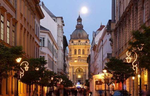 Βουδαπέστη (Δώρο το αεροπορικό εισιτήριο και η ξενάγηση Βιέννης & Μπρατισλάβας)