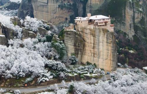 Κρυμμένες ομορφιές της Θεσσαλίας και της Ηπείρου, Μετέωρα (Από Αθήνα)
