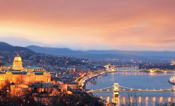 Βουδαπέστη με δώρο ξενάγηση Βιέννης & Μπρατισλάβας  - Αναχώρηση πρωί - επιστροφή βράδυ