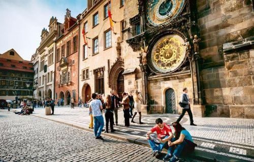 ΠΡΑΓΑ 4,5ημ η μεσαιωνική πρωτεύουσα Prive μεταφορές – ξεναγήσεις και με 2 άτομα