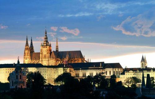 Πράγα - Βουδαπέστη με δώρο ξενάγηση της Βιέννης