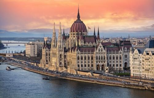 Βουδαπέστη 4,5,6ημ από Αθήνα Prive μεταφορές – ξεναγήσεις και με 2 άτομα