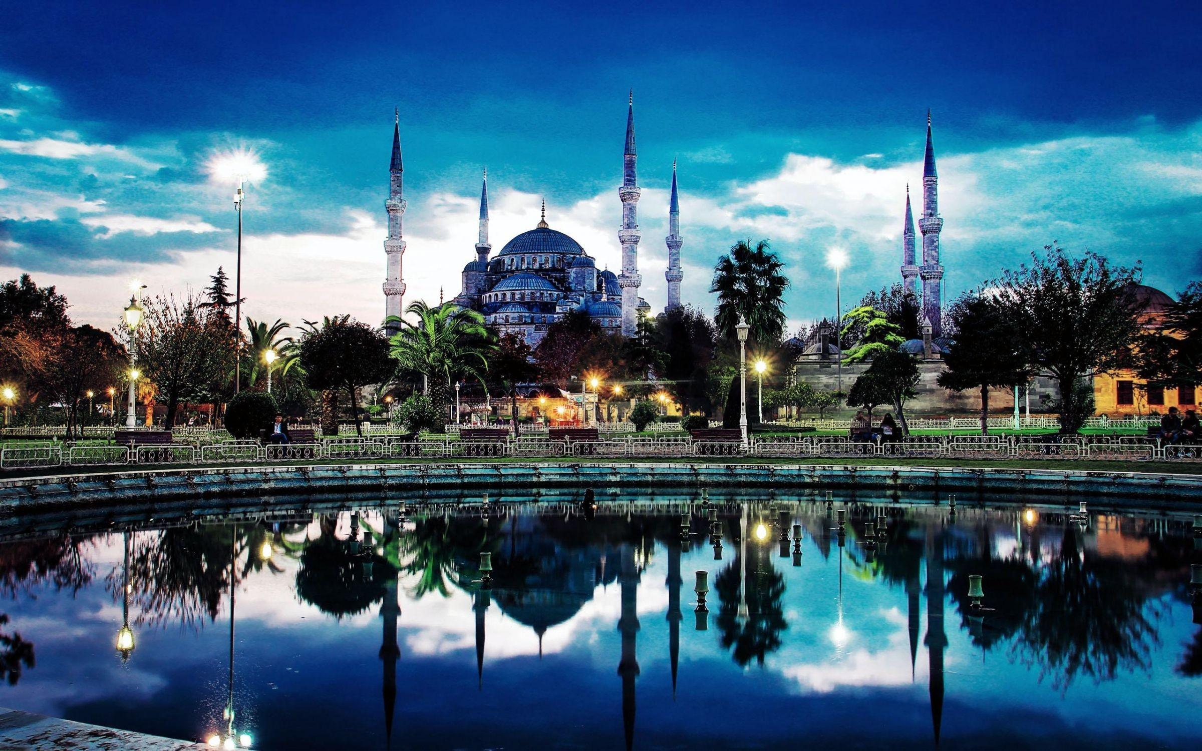 7af7dec69c Κωνσταντινούπολη - Χρώματα   αρώματα Αγ.πνεύμα - GrecosTravel